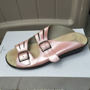 Clarks Springers Pearlized Leather Sandals
